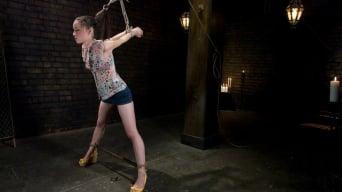 Maitresse Madeline in 'Mina Leigh'