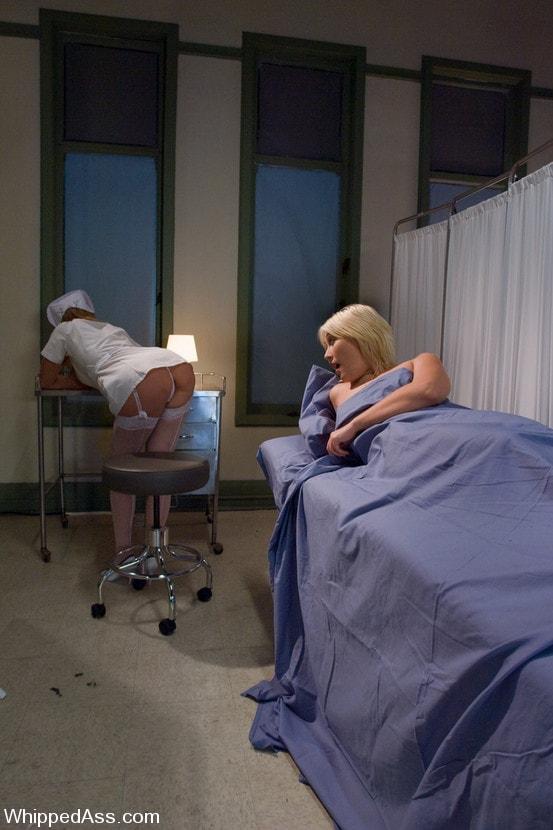 Kink 'The Night Nurse' starring Maitresse Madeline (Photo 1)