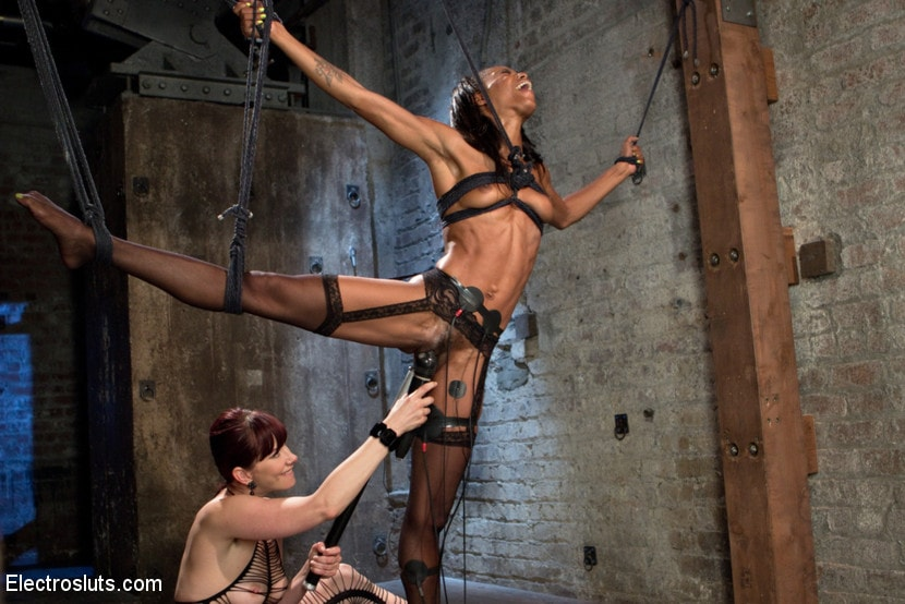 Kink 'The Return of Maitresse Madeline' starring Maitresse Madeline (photo 20)