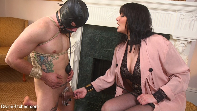 Kink 'The Queen's Slave Training' starring Maitresse Madeline Marlowe (Photo 8)