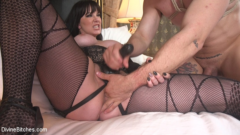 Kink 'The Queen's Slave Training' starring Maitresse Madeline Marlowe (Photo 24)