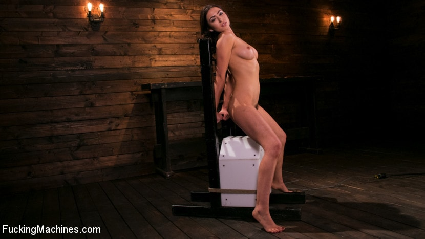 Kink 'All Natural New Girl Squirts Everywhere From Machine Fucking' starring Melissa Moore (Photo 4)