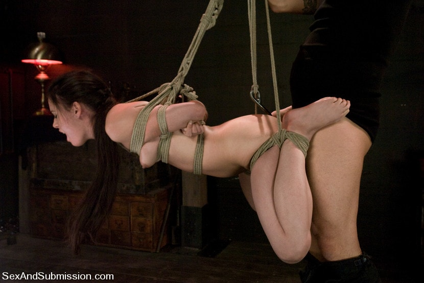 Kink 'Eager to Please' starring Mina Leigh (Photo 3)