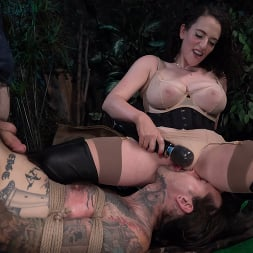 Mistress Blunt in 'Kink' Snared, Part 1: Mistress Blunt Traps Her Toy! (Thumbnail 16)