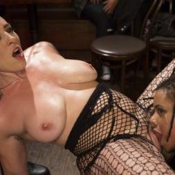 Mistress Kara in 'Kink' Dyke Bar LIVE!!! (Thumbnail 6)