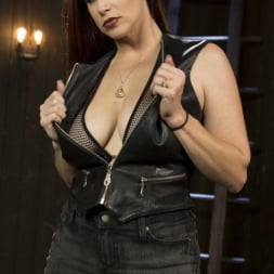 Mistress Kara in 'Kink' Dyke Bar LIVE!!! (Thumbnail 17)