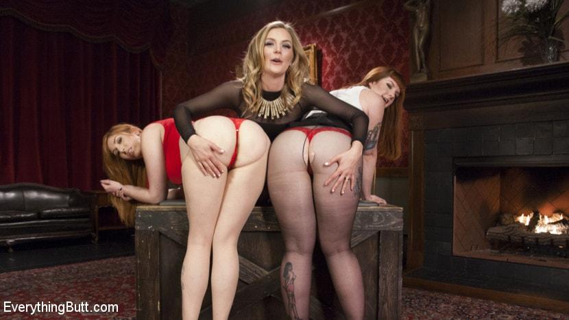 Kink 'Step-Sisters Gape for Inheritance' starring Mona Wales (Photo 2)