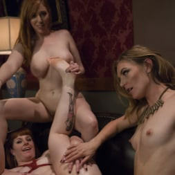 Mona Wales in 'Kink' Step-Sisters Gape for Inheritance (Thumbnail 10)