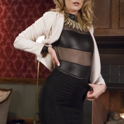 Mona Wales in 'Kink' Step-Sisters Gape for Inheritance (Thumbnail 16)