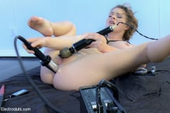 Mz Berlin - Huge Tits and Electro Anal Fuckfest LIVE! (Thumb 09)
