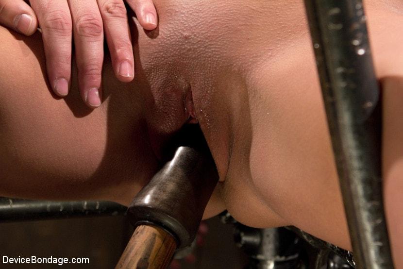Kink 'Horror actress takes real life bondage and orgasms.' starring Natasha Talonz (Photo 9)