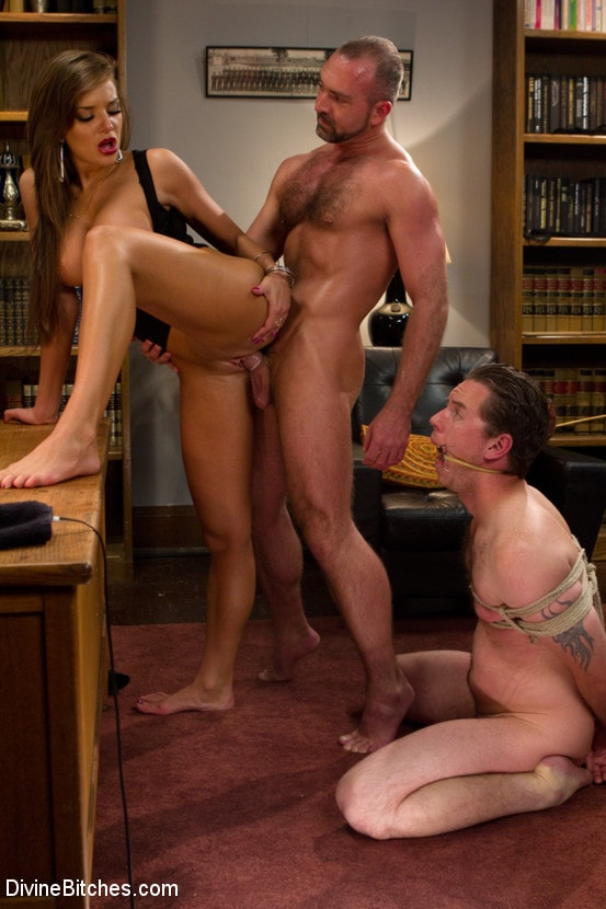 Kink 'Sadistic wife cuckolds husband with tantric sex specialist.' starring Nika Noire (Photo 10)