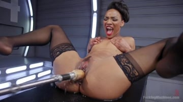 Nikki Darling - Porn All-Star Gets Her First Taste of Fucking Machines and Squirts Everywhere!
