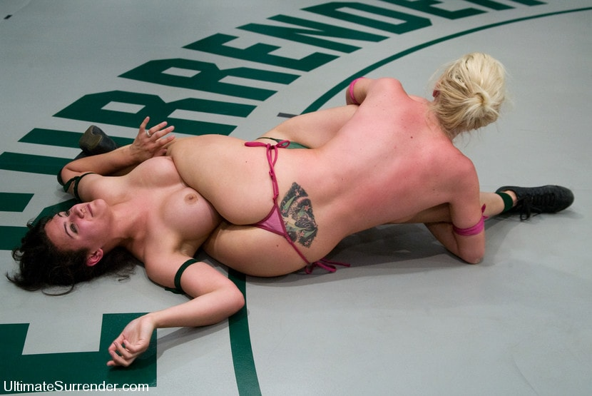 Kink 'Samantha Sin The Python (0-0) vs Penny Play The Tarrasque (0-0)' starring Penny Barber (Photo 18)