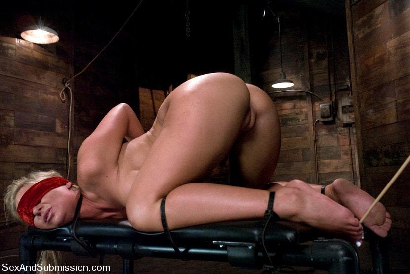 Kink 'Ball and Chain' starring Phoenix Marie (Photo 17)