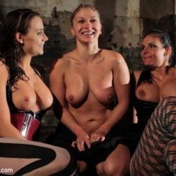 Phoenix Marie in 'Kink' Part 2: Wet Stalkings (Thumbnail 5)