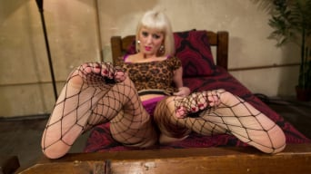 Phoenix Marie В 'XXX Red Light District Foot Worship XXX'