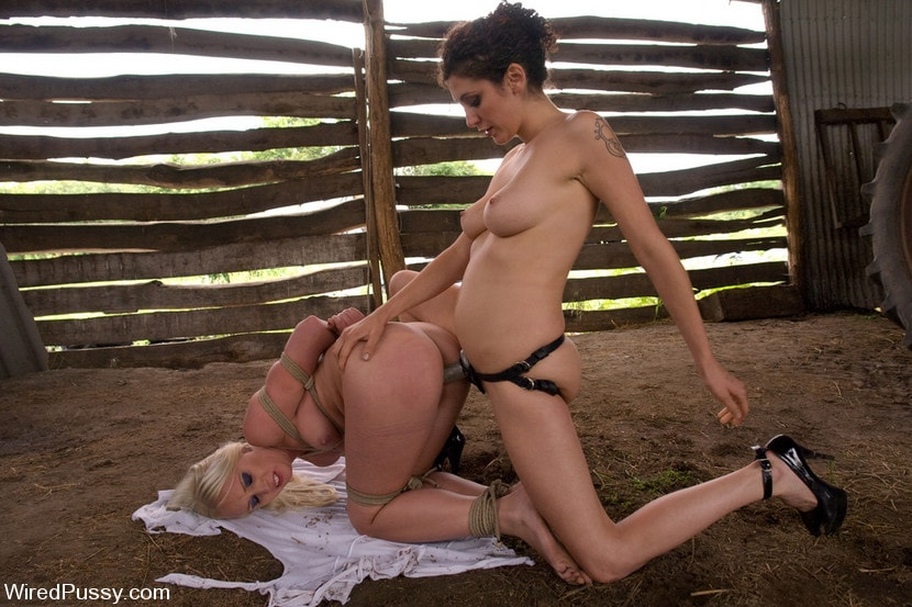 Kink 'Beautiful Russian blond tries bondage for the first time and loves it!!!!' starring Princess Donna Dolore (Photo 6)