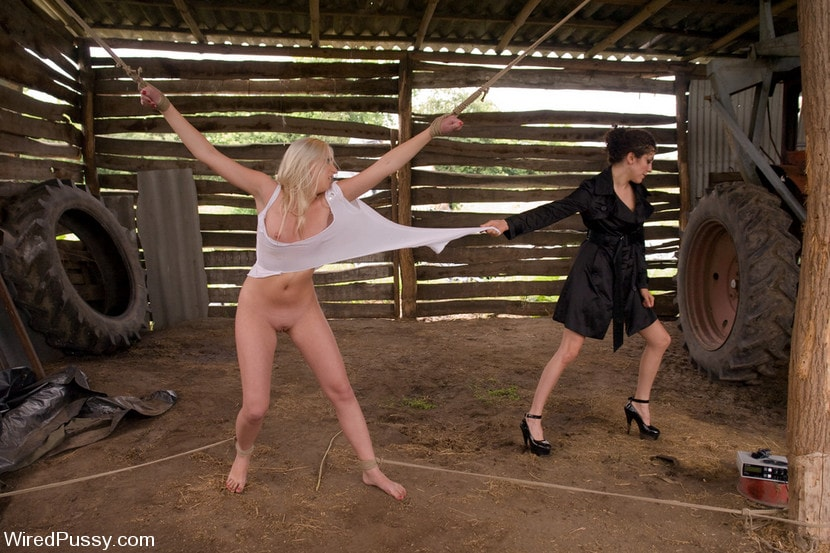 Kink 'Beautiful Russian blond tries bondage for the first time and loves it!!!!' starring Princess Donna Dolore (Photo 14)