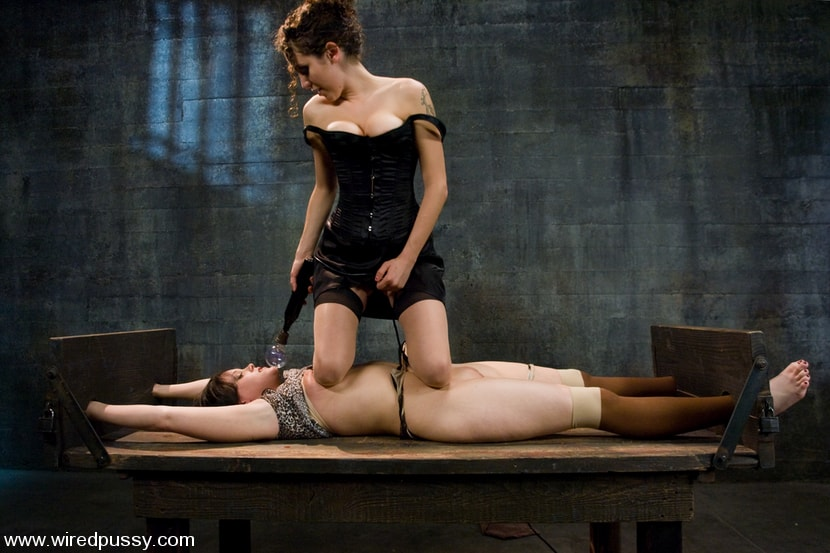 Kink 'and Princess Donna Dolore' starring Raina Verene (Photo 3)