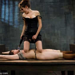 Raina Verene in 'Kink' and Princess Donna Dolore (Thumbnail 3)