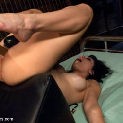 Raven Rockette in 'Kink' 18yrs OLD NEW to PORN Never Seen a Machine Fuck and Now it's in Her Pussy (Thumbnail 14)
