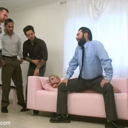 Riley Reyes in 'Kink' Desperate To Deal (Thumbnail 2)