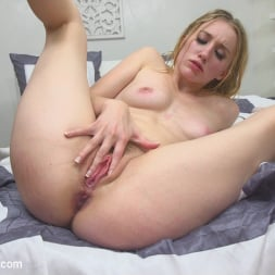 Riley Reyes in 'Kink' Desperate To Deal (Thumbnail 23)