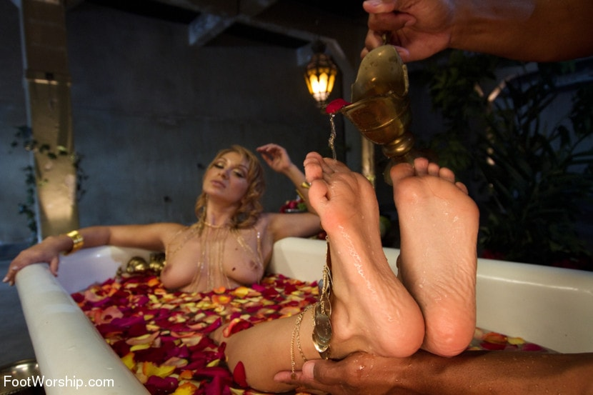 Kink 'Exotic Foot Worship With Goddess Lea' starring Lea Lexis (Photo 6)