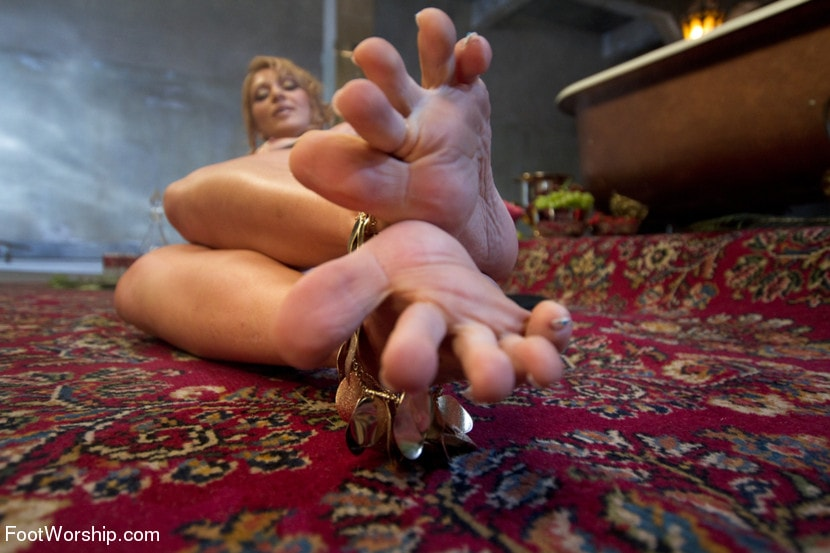 Kink 'Exotic Foot Worship With Goddess Lea' starring Lea Lexis (Photo 13)