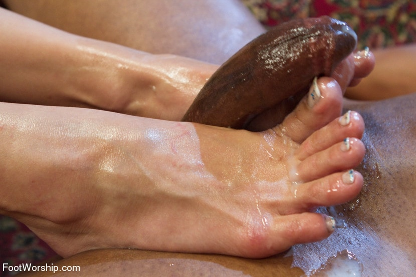 Kink 'Exotic Foot Worship With Goddess Lea' starring Lea Lexis (Photo 15)