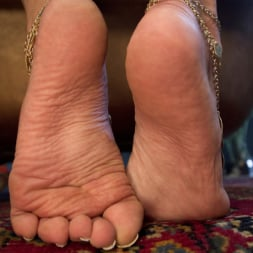 Lea Lexis in 'Kink' Exotic Foot Worship With Goddess Lea (Thumbnail 17)