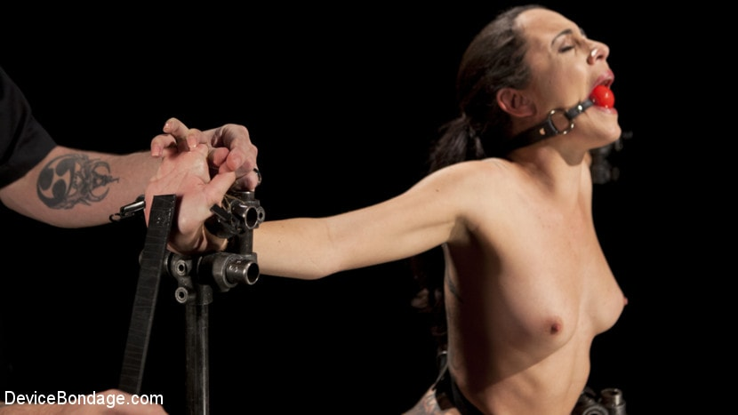 Kink 'She Said She Would Not Cry This Time' starring Roxanne Rae (Photo 15)