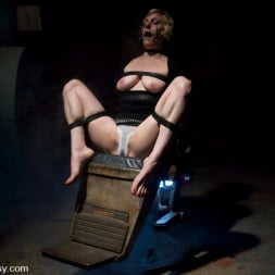 Sabina in 'Kink' The Dentist (Thumbnail 3)
