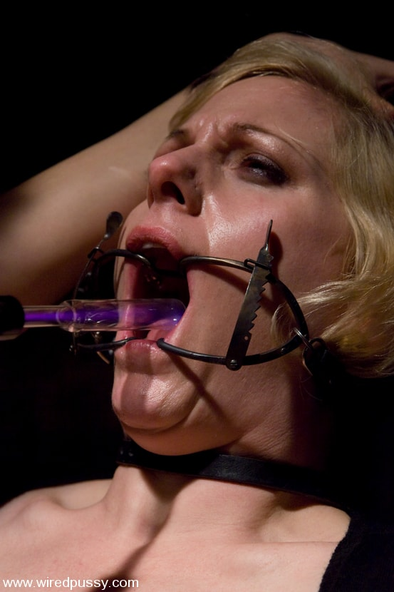 Kink 'The Dentist' starring Sabina (Photo 5)