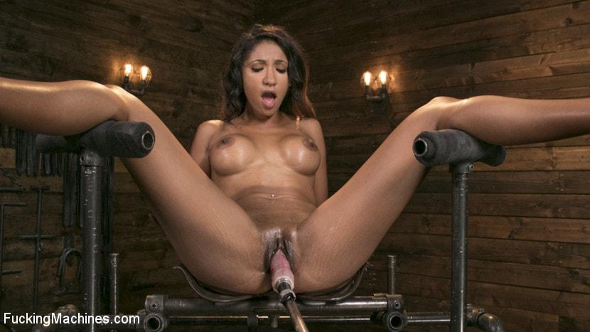 Kink 'Tall and Long-Legged Latin Goddess Gets Machine-Fucked!!' starring Sadie Santana (Photo 4)