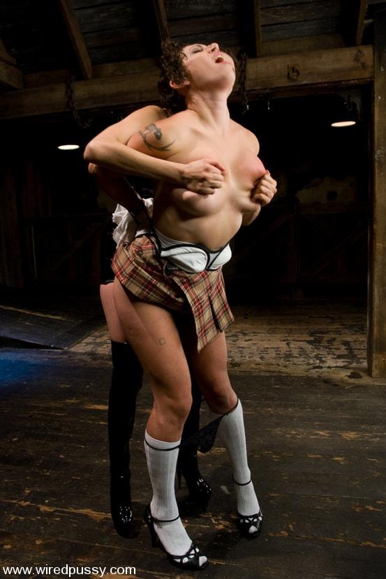 Kink 'Big tits Bound and shocked' starring Saffron (Photo 1)