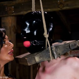 Sandra Romain in 'Kink' Cherry Torn gets her pussy Wired!! (Thumbnail 4)