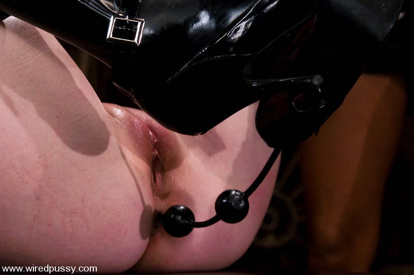 Kink 'Cherry Torn gets her pussy Wired!!' starring Sandra Romain (Photo 12)