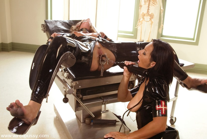 Kink 'Sandra's Latex Slave' starring Sandra Romain (Photo 8)