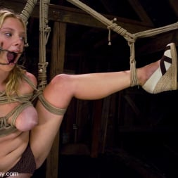 Sandra Romain in 'Kink' and Sara Scott (Thumbnail 2)