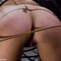 Sandra Romain in 'Kink' and Sara Scott (Thumbnail 7)