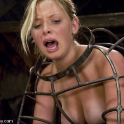 Sandra Romain in 'Kink' and Sara Scott (Thumbnail 8)