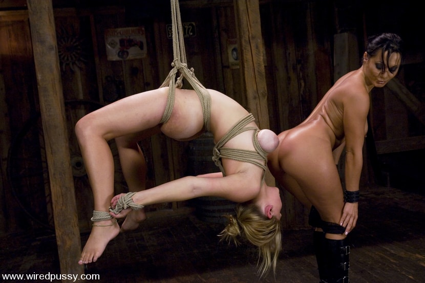 Kink 'and Sara Scott' starring Sandra Romain (Photo 10)