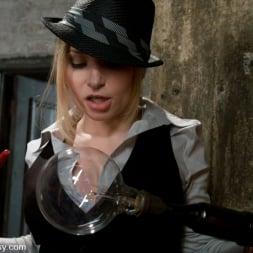 Sara Faye in 'Kink' First Timer: Sara Faye (Thumbnail 6)