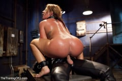 Savannah Fox - Training That Ass, Savannah Fox Day One (Thumb 05)