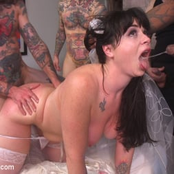 Siouxsie Q in 'Kink' The Red Bride (Thumbnail 7)