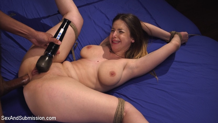 Kink 'Immigration Authority' starring Stella Cox (Photo 14)