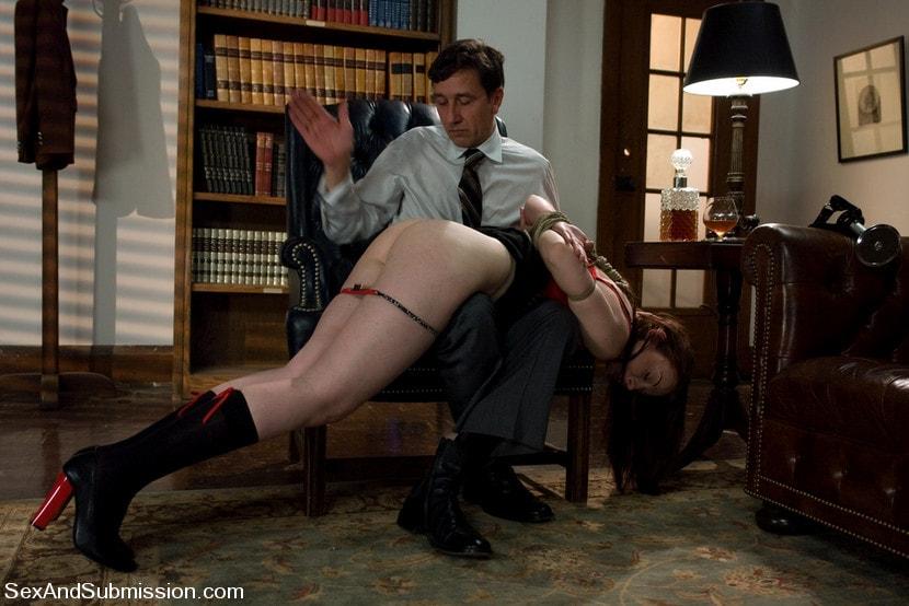 Kink 'Servant Keen' starring Amber Keen (Photo 20)