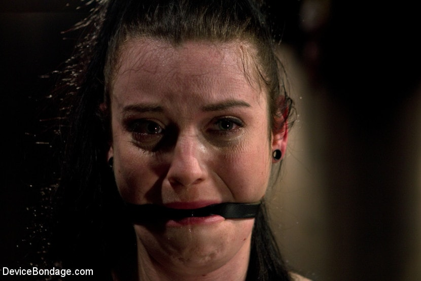Kink 'Curvy broad suffers for orgasms then strung up by hair suspension.' starring Sybil Hawthorne (Photo 4)